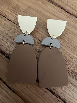 Cream/brown hang earrings