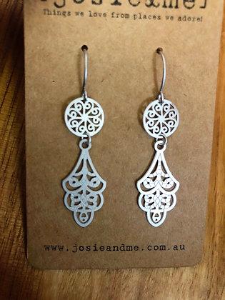 Petite chand earrings - silver