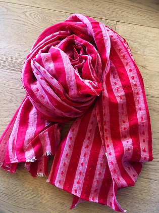 Red/pink scarf