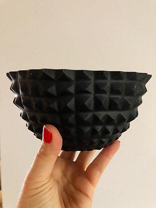 Med black bowl
