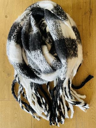 Winter scarf - black&white