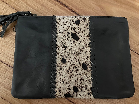 Middle spots leather clutch