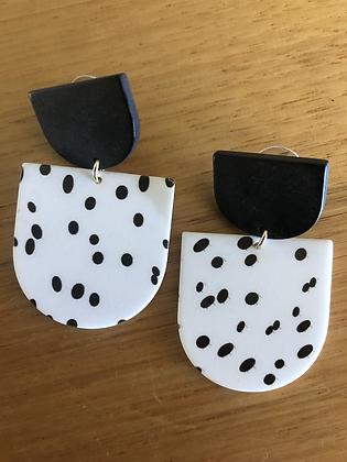 Polly black/white earrings