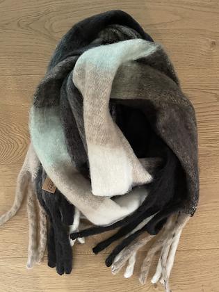 Winter scarf - greens