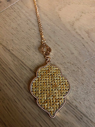 Mustard hatch necklace