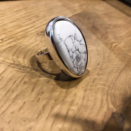 Marble adjustable ring