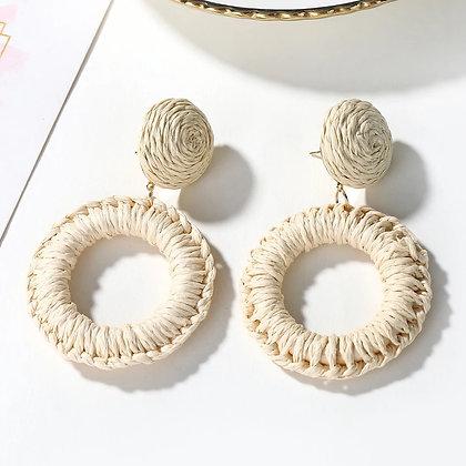 Light cream earrings