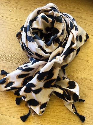 Classic leopard scarf