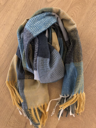 Winter check scarf - blues