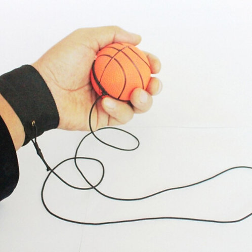 Balle rebondissante avec attache poignet