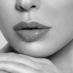 PERMANENT MAKE-UP LIP BLUSH