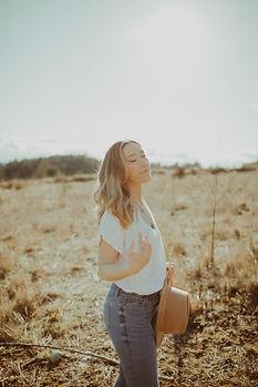 taraglennphotography_kate_headshots_suns