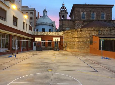 Comptem amb una nova estructura de voleibol a l'escola