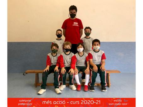 Fotografies dels equips de Futbol Sala i Voleibol de l'escola Sant Josep Oriol