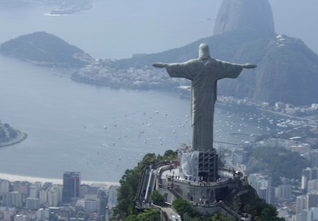 40 Portuguese Words for Geography: Talking about Valleys, Hills, and Rivers