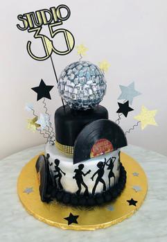 cake topper - studio 35.JPG