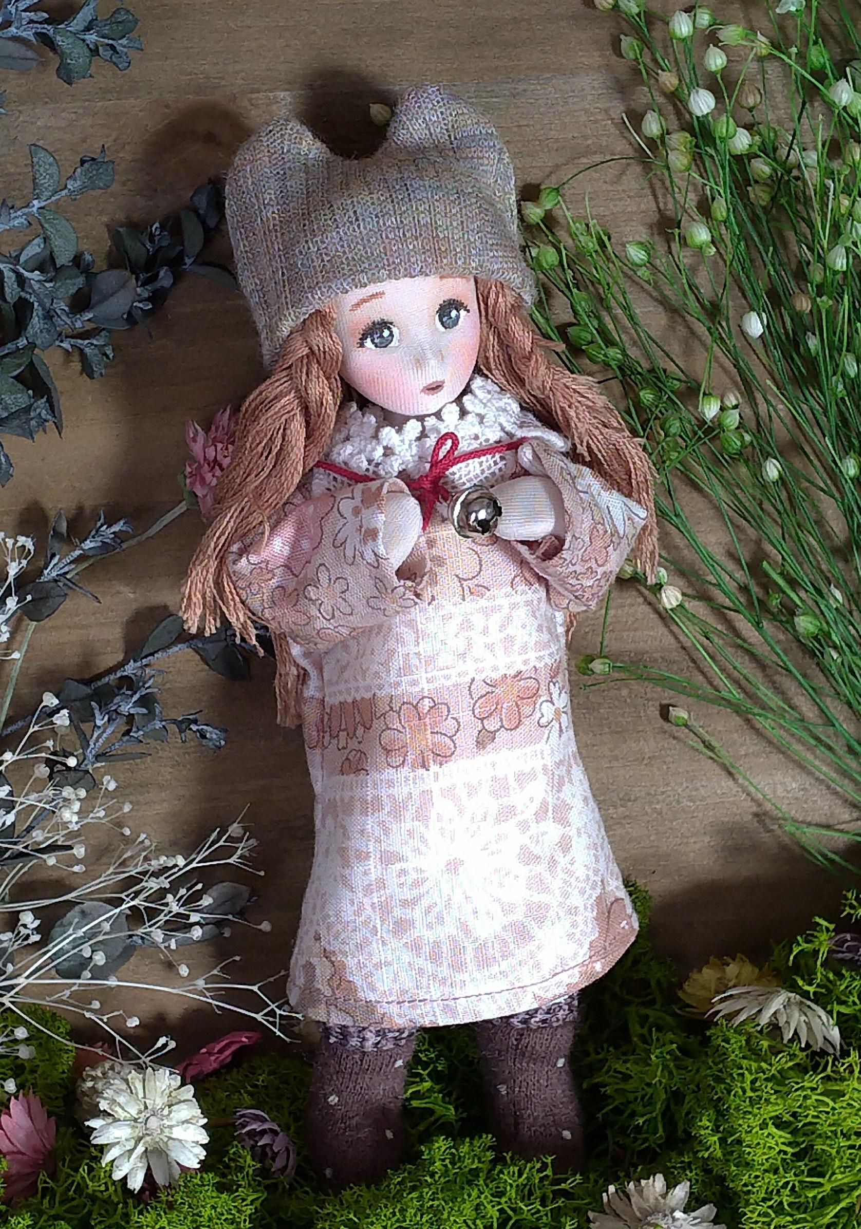 ウサギ帽子の女の子