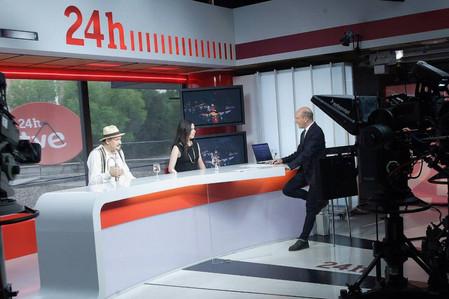 Entrevista en el Canal 24h