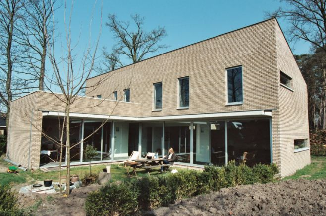 ramen in aluminium, hout, pvc Brugge