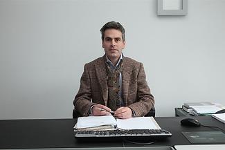 Advocaat Frank Hören in Genk | Verzekeringsrecht, arbeidsrecht, familierecht, inning van facturen, opstellen contracten, ondernemingsrecht, handelsrecht, aannemingsrecht, aansprakelijkheidsrecht