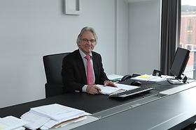 Advocaat Philippe Warnants in Hasselt   Verzekeringsrecht, arbeidsrecht, familierecht, inning van facturen, opstellen contracten, ondernemingsrecht, handelsrecht, aannemingsrecht, aansprakelijkheidsrecht