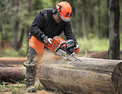 Operate and Maintain Chainsaw