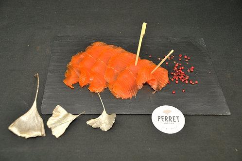 Filet de saumon Bömlo fumé au bois de hêtre, tranché main