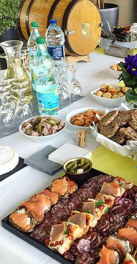 buffet%201_edited.jpg
