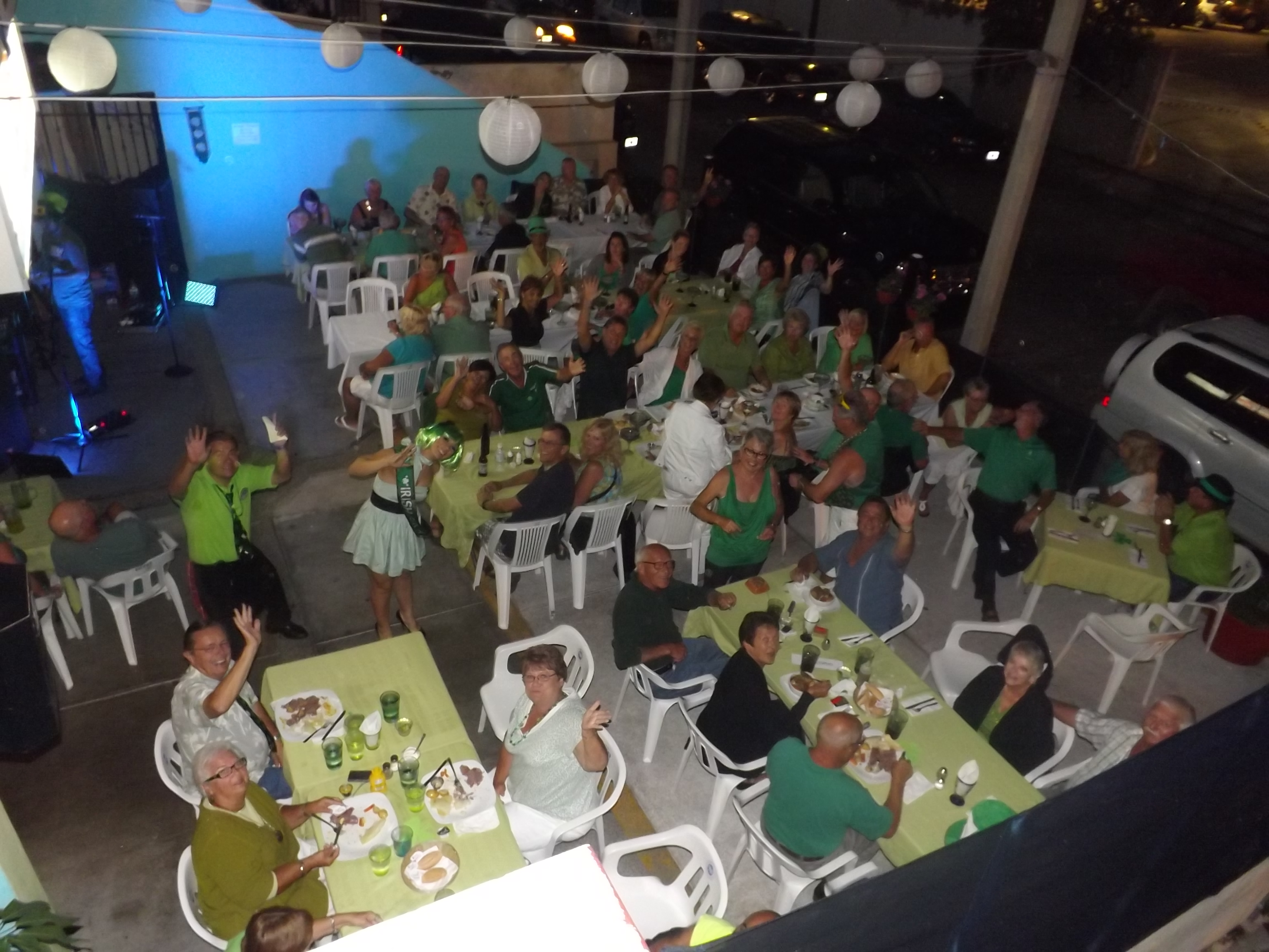 A sea of green at Twisted Mama´s