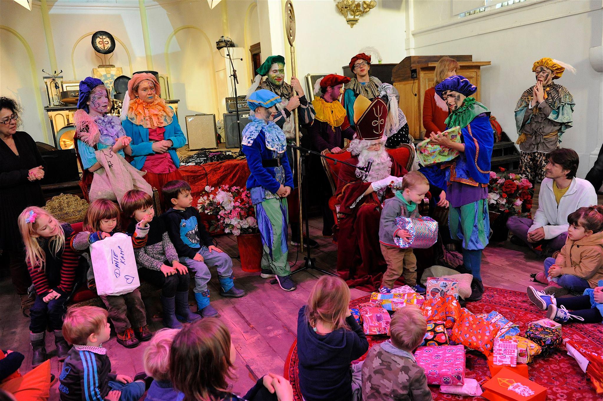 Het Kleurrijke Sinterklaasfeest in Ruigoord