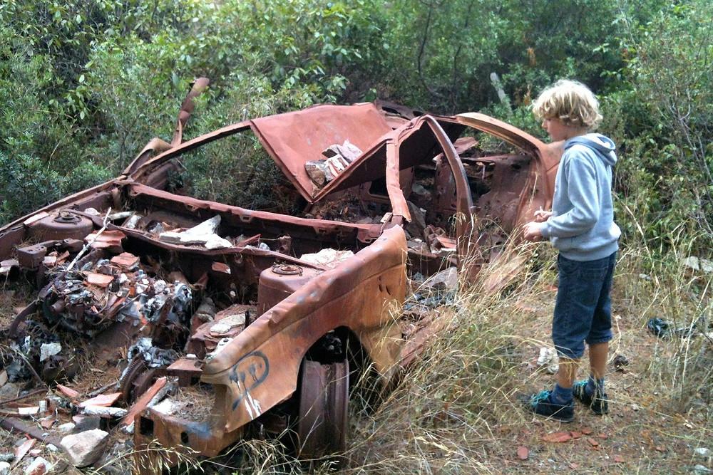 Carro sinistrado: incêncio