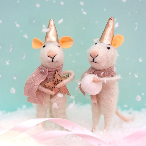 Star or Snowball Mouse Standing Felt Decoration (1 of 2)