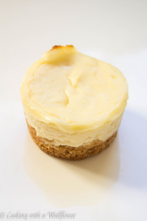 MINI MONTEBELLO VANILLA CHEESECAKES