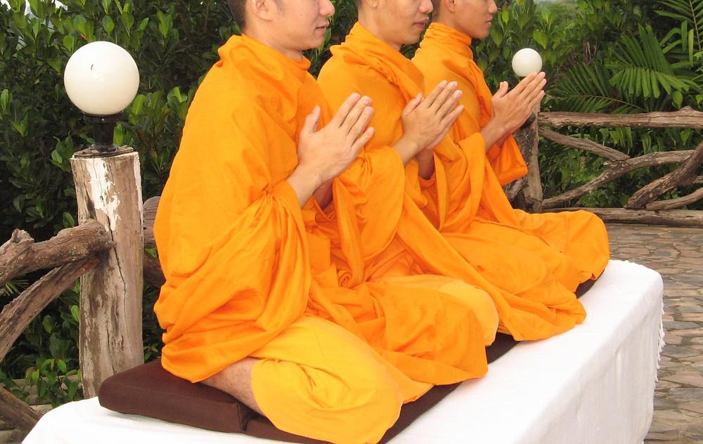 Monks בודהיזם