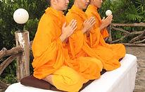 orando Monges