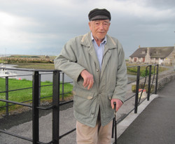 Ireland Galway Old Sailor466.jpg