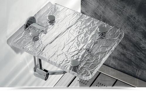 Sgabello pieghevole in plexiglass effetto vetro ghiaccio portata 130kg