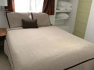 apt-12-bedroom_edited.jpg