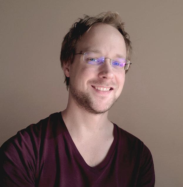 """Christoph Balber ist Arzt und Philosoph aus Österreich. Darüber hinaus ist er Autor von """"Zufall und Lüge"""", einer philosophischen Theorie von Poker."""