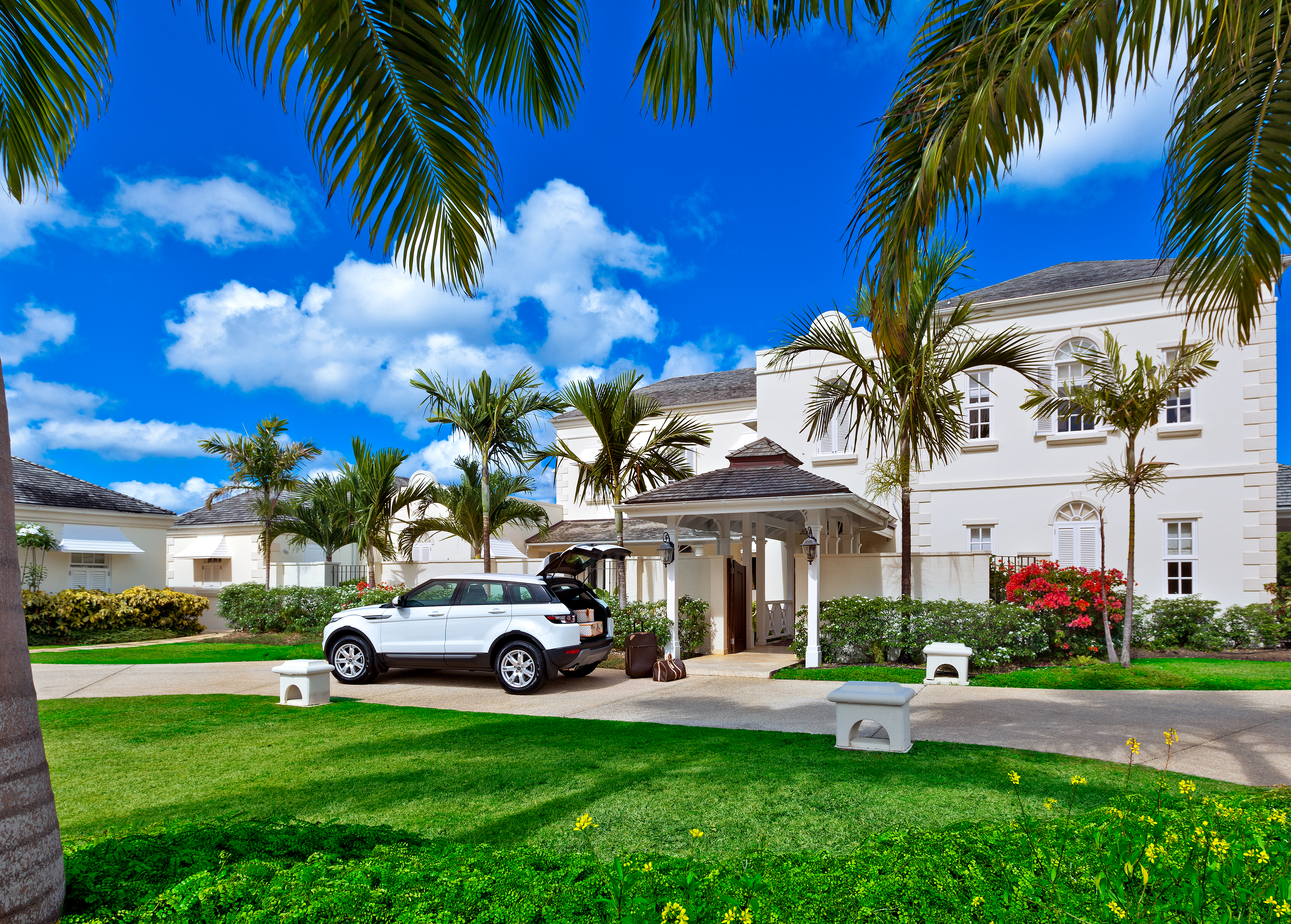 RWM MAY-2014 OCEAN DRIVE 7 FRONT EXTERIOR DAY
