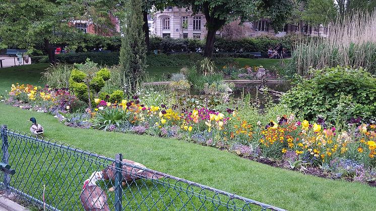 Parc du Temple - Marais - Copy.jpg