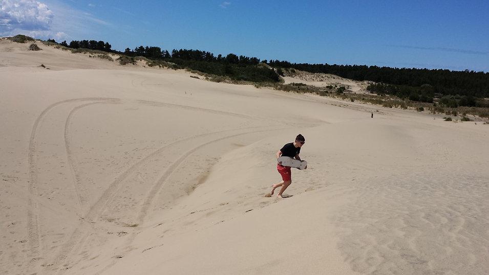 Oregon sand dunes.jpg