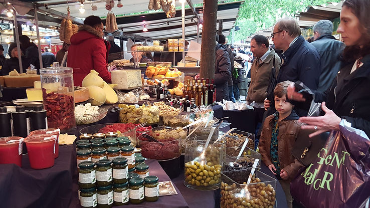 Paris Marche Bio olives 2017.jpg