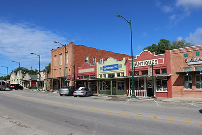 1200px-Buda_Texas_Historic_Downtown.JPG