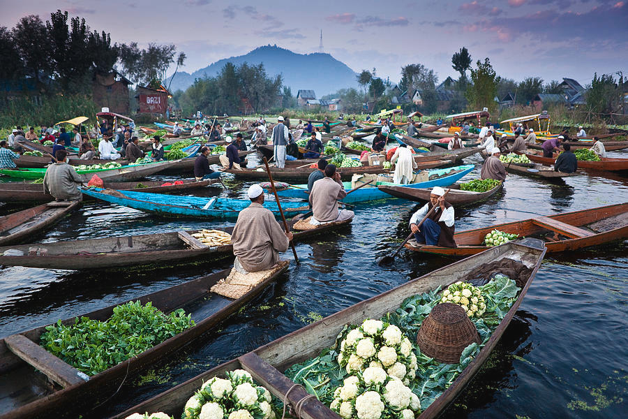 Floating Market in India | Dal lake floating market | Places to visit in Kashmir