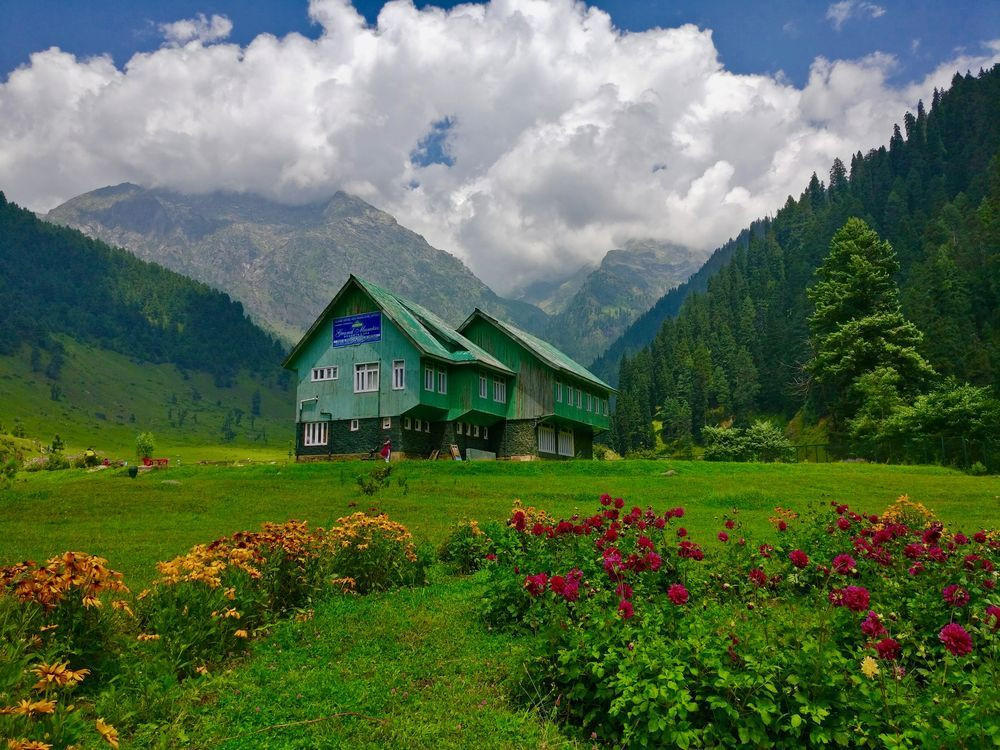 Pahalgam is the starting point for Amarnath Yatra | Adventure in Kashmir