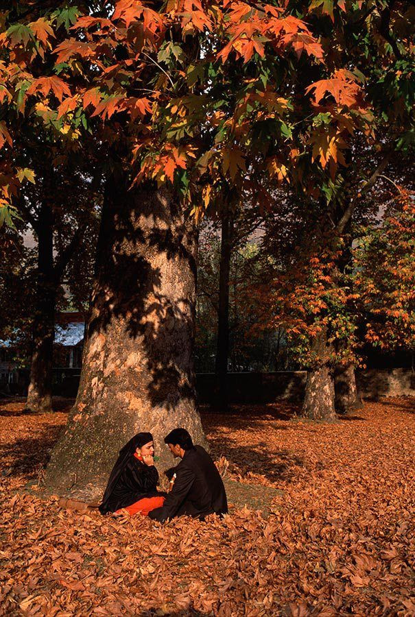 Kashmir Valley in autumn | Kashmir travel blog | Tourist places in Kashmir