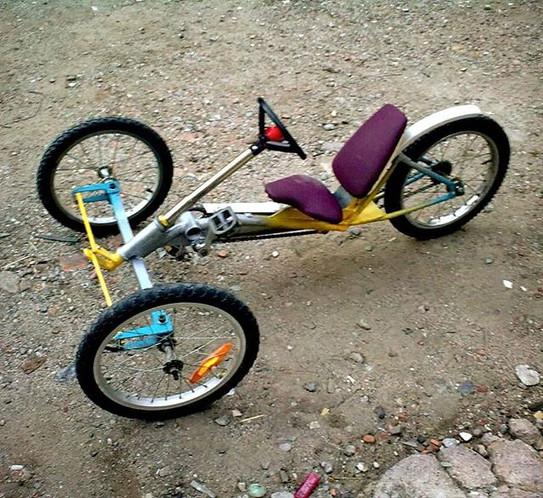 Tricicle infantil. 2010.jpg