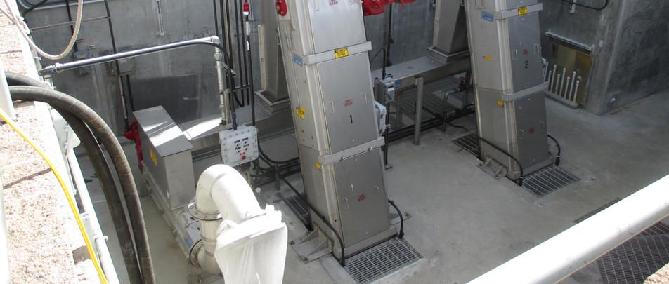 Vulcan VMR screens with conveyor and EWP wash press