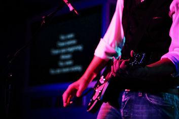 worship leader2.jpg